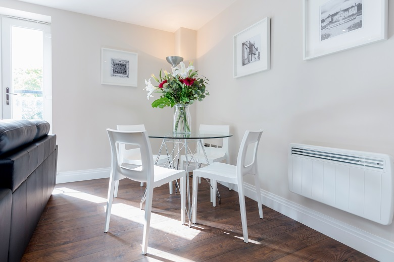 Serviced apartments reigate surrey trinity house for Dining room reigate