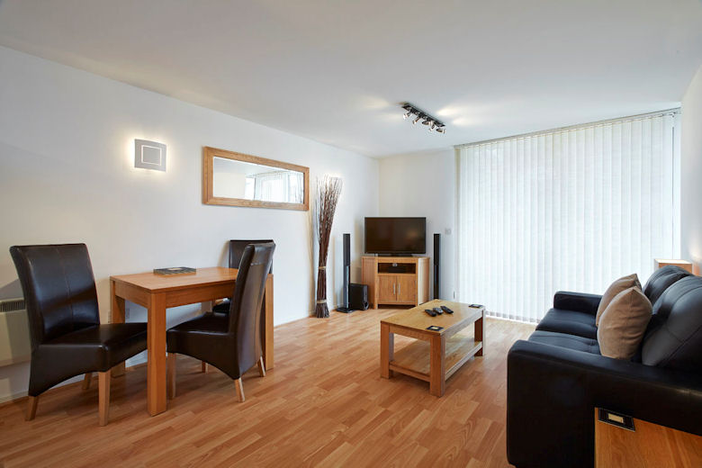 Serviced apartments southampton hampshire ocean village marina by esa for Spacious one bedroom apartment