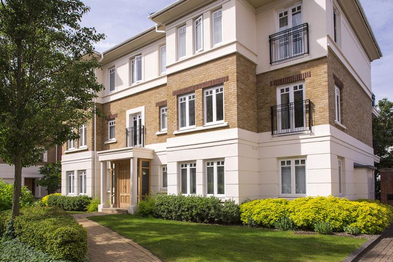 Serviced Apartments Hampton Court London The Lion Gate Mews Apartments