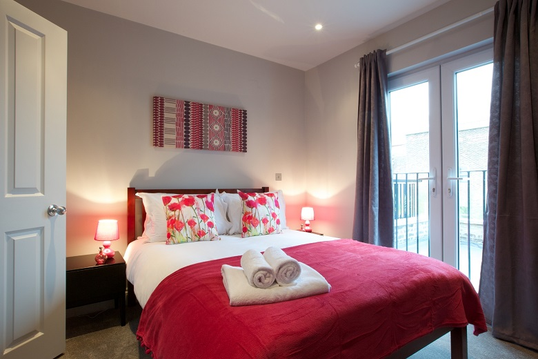 A bright and colourful Fulham Riverside bedroom