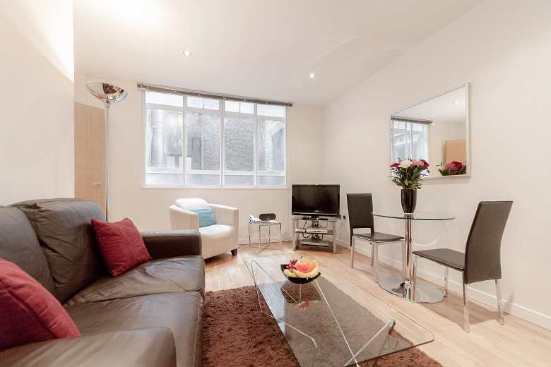 The lovely dining and living area at Watling Street